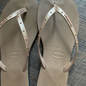Havaianas Maxi Studded Rose Gold Flip Flops